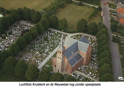 17-Luchtfoto-Kruiskerk-en-de-N